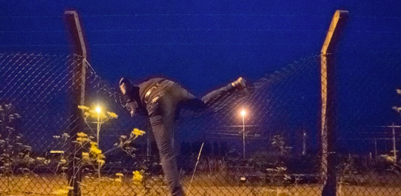 Fences in Calais Protect Ministers, Not Refugees - signpost image