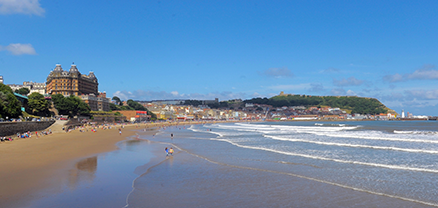 5 reasons to choose Scarborough - signpost image