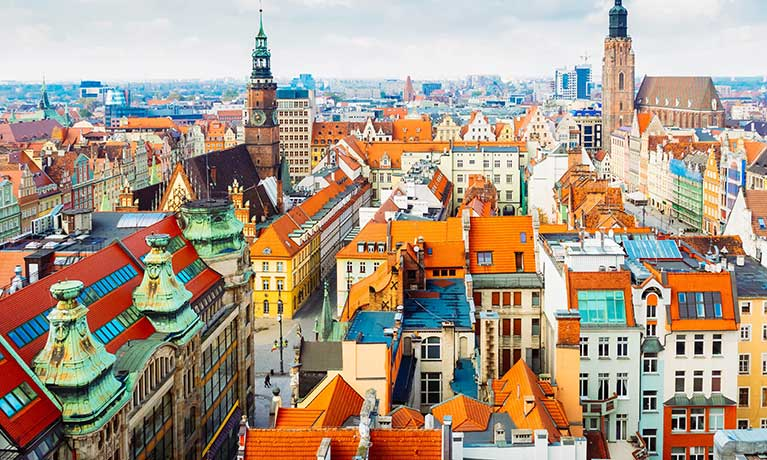 Coventry University to be the first foreign university in Poland