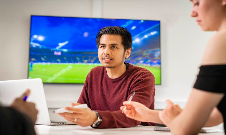 Coventry University teams up with Johan Cruyff Institute to share sport management knowledge and expertise